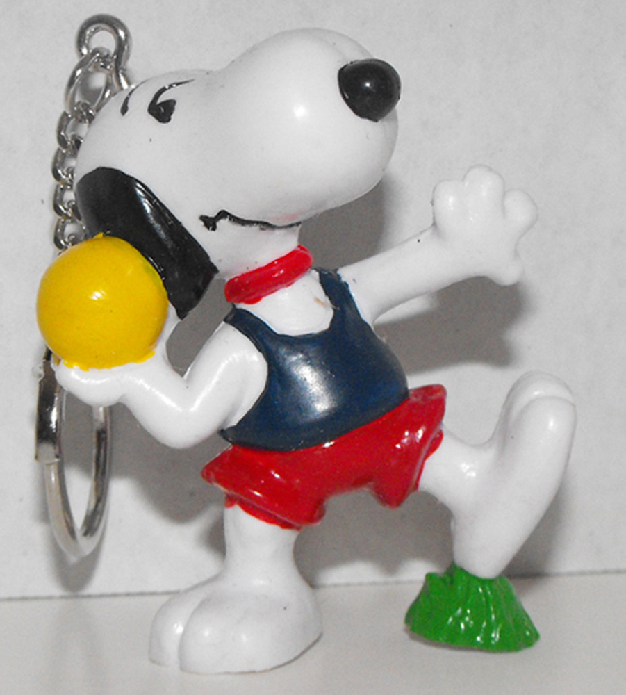 Happy Belle Snoopy/'s Sister Figurine Keychain Peanuts Figure Key Chain 22038