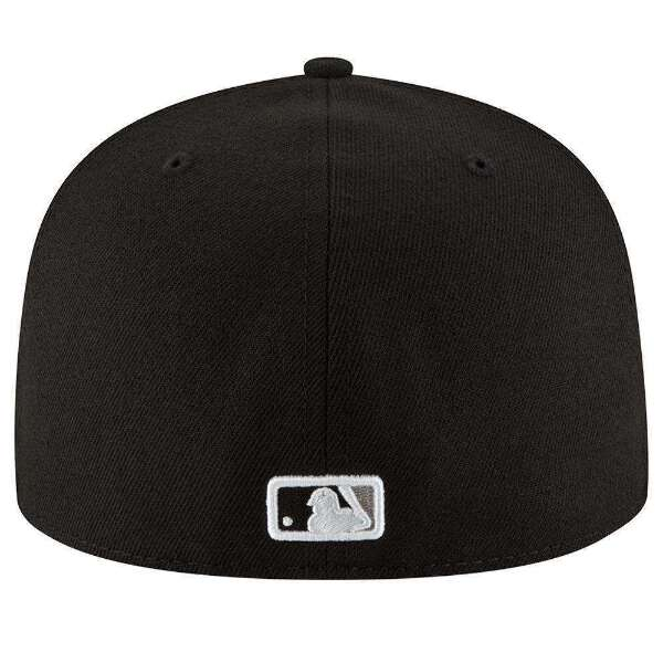 save off 78d08 7d7b0 ... Fitted Back  Black Underbrim  Surface Washable  100% Authentic  Officially licensed Product. ×. ×. ×. ×