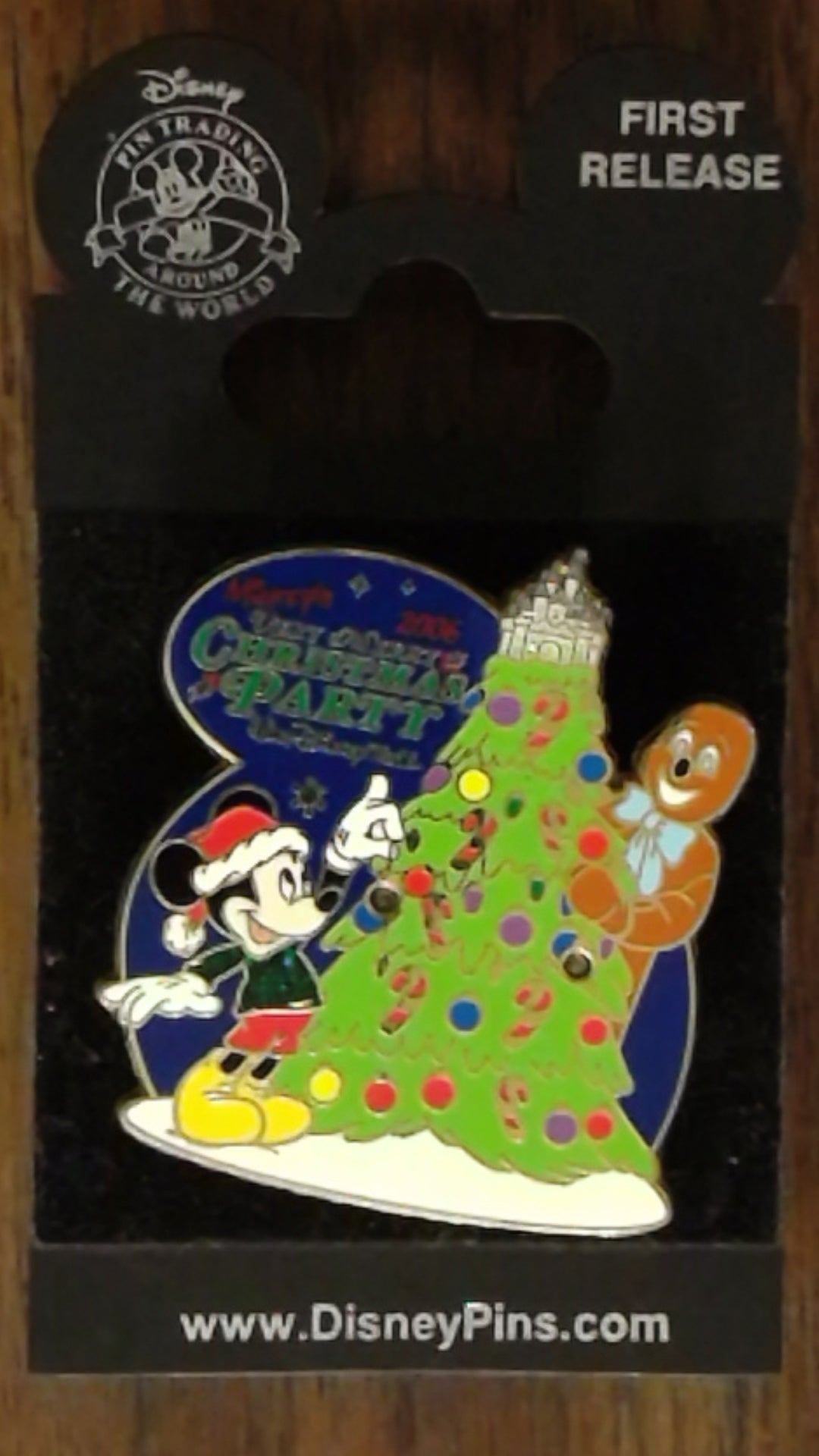 Pin Trading Disney Pins 2017 Very Merry Christmas Party Bell Ornament