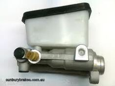 Holden BRAKE MASTER CYLINDER WB &  Statesman Models Disc/Drum 1979 to 1980  p7953