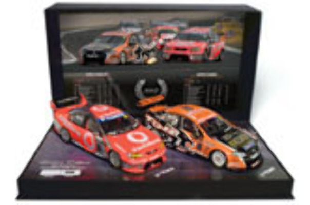 1:18 Classic Carlectable 18350 2007 Championship Twin Pack Tander Whincup
