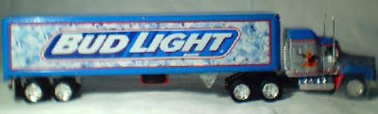 DYM36672 Bud Light Mack CH600