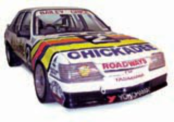 1:18 Classic Carlectable 18267 Holden 1986 VK Chickadee Bathurst Winner