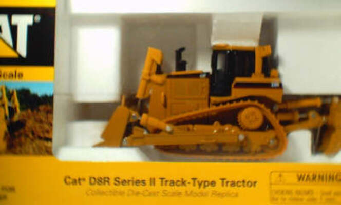CAT 1:50 D8R Series II Track Type Tractor
