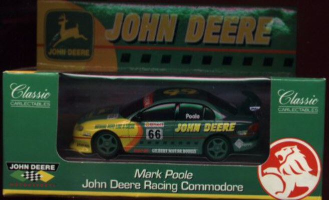 1:43 Classic Carlectables 1066 - Mark Poole John Deere Commodore