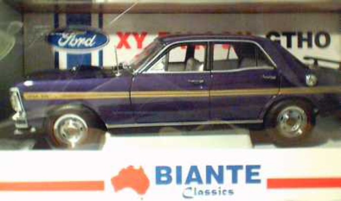 1:18 Biante  Wild Violet XY Falcon with straps