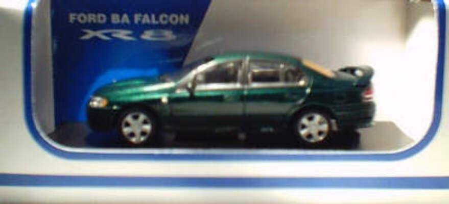 1:64 Biante BA Falcon XR8 Sedan Met Green