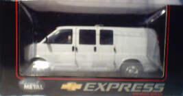 1:25 Chev Express - White