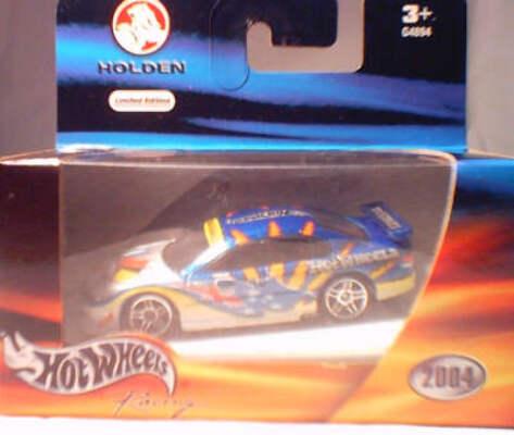 HW 1:64 2004 V8 Commodore