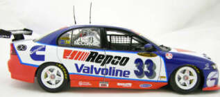 1:18 Classic Carlectable 18201 Cameron McConville 2005 VZ Commodore
