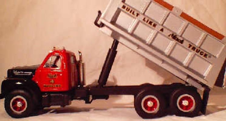 Mack B61 Tip Truck - Mack Hauling (with cap)