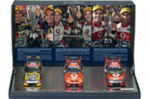1:43 Classic Carlectables  43662 Triple Eight Bathurst 1000 Thee Peat Box Set Lowndes Whincup