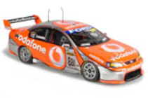 1:18 Classic Carlectable 18281 Craig Lowndes 2007 Vodafone