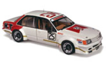 1:18 Classic Carlectable 18310 Holden VC Commodore 1980 Sandown 3rd Place Mofatt