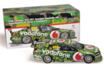 1:18 Classic Carlectable 18484 888 Racing Jamie Whincup 2011 Townsville Camoflague car