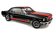 1:18 Classic Carlectable 18491 1966 Ford Mustang Custom