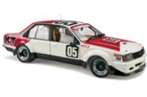 1:18 Classic Carlectable 18444 Holden VC Commodore 1980 Brock Sandown Winner