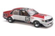 1:18 Classic Carlectable 18476 Holden HDT 1981 Bathurst Brock