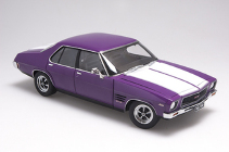 1/18 Holden HQ monaro GTS 350 4 Door Purr Pull    with white