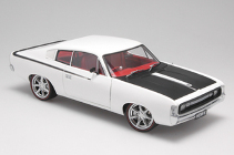 1:18 Biante Charger white Street Machine