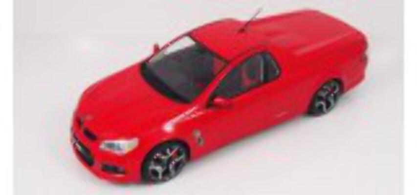 1/18 Holden 2014 GEN-F MALOO R8 Sting Red