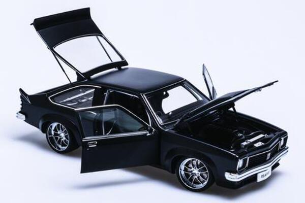 1/18 Torana A9X Street Machine A73458 Sinister satin black Reeper