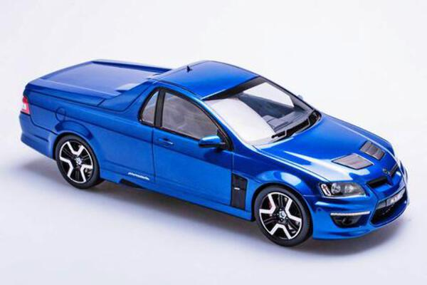 1/18  HSV 20 Years of Maloo R8 Voodoo Blue BR18401C