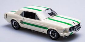 1/18 Ford Mustang 1967 ATCC Winner Pete Geoghegan