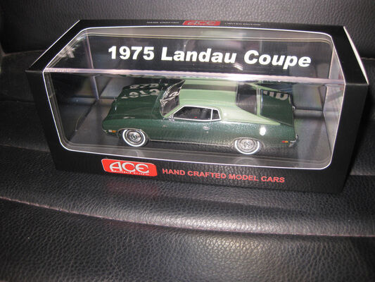 1/43 ACE 1975 FORD LANDAU COUPE IVY GREEN LIMITED EDITION OF JUST 75
