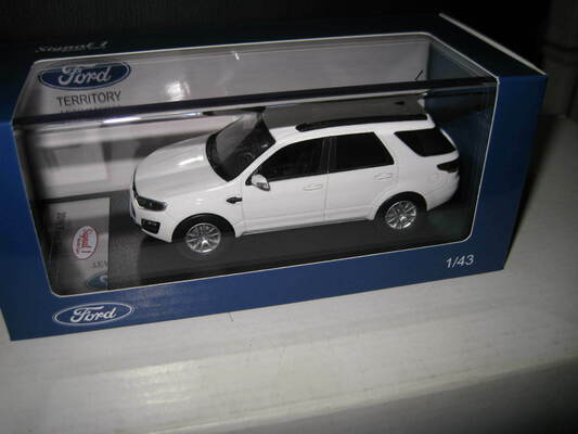 1/43 SIGNAL 1 MODEL CARS 2016 FORD TERRITORY SUV WHITE