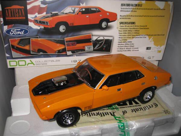 1//18 GREENLIGHT DDA 1974 FORD FALCON XB GT SEDAN BURNT ORANGE LTD ED Drag Verson