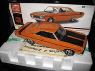 1/18 GREENLIGHT DDA 1970 CHRYSLER VALIANT VG PACER HEMI 245 HEMI ORANGE LTD ED