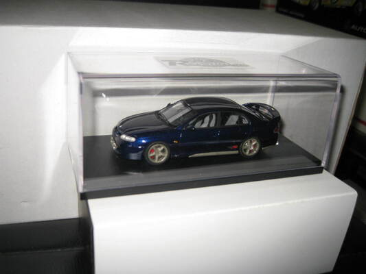 1/43 REVOLUTION MODELS HOLDEN HSV VT / VX COMMODORE GTS BLUE
