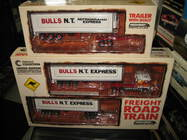 1:64 HIGHWAY REPLICAS KW BULL'S NT EXPRESS ROAD TRAIN TRUCK AND EXTRA TRAILER