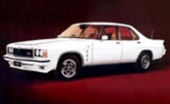 1:18 Classic Carlectable 18218 Holden HZ GTS MONARO Palaris White
