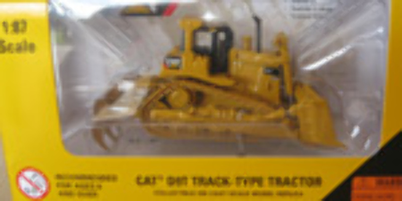 CAT 1:87 D9T Track type tractor