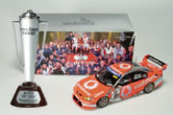 1:18 Classic Carlectable 18345 2007 Bathurst Winner Lowndes/Whincup