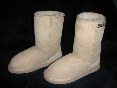 Classic Short Ugg Boot (Sand)