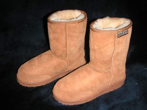 Short Premium Ugg Boot (Chestnut)