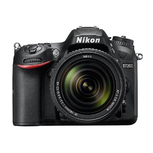 Nikon D7200 + 18-140mm F/3.5-5.6G ED VR Lens