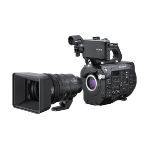 Sony PXW-FS7 II XDCAM Super35 4K Camcorder + 18-110mm Zoom Lens Kit