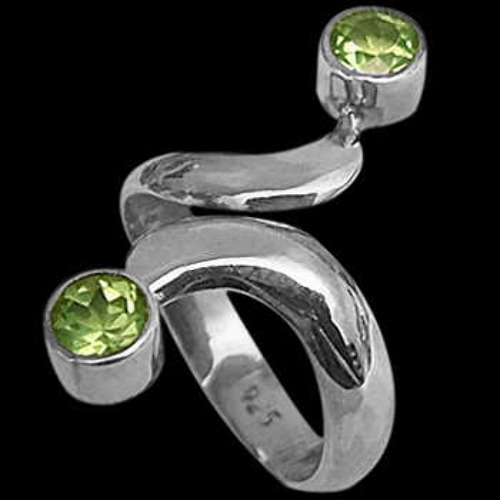 Womens Jewelry - Peridot and Sterling Silver Rings R600