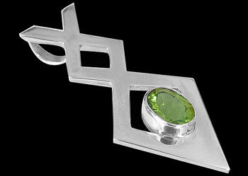 Peridot and .925 Sterling Silver Pendants MP010P