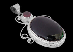 Garnet Onyx and Sterling Silver Pendants MP204