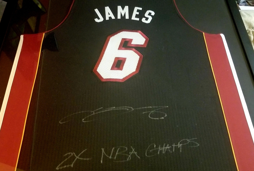 official photos 70ae8 9e456 Details about LEBRON JAMES MIAMI HEAT SIGNED JERSEY UDA COA INSCRIBED 2X  CHAMPS AUTO #/50