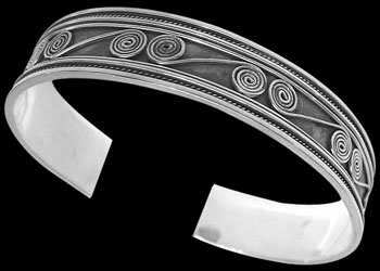 Celtic Jewelry - .925 Sterling Silver Celtic Cuff Bracelets B4-10098 - 14mm