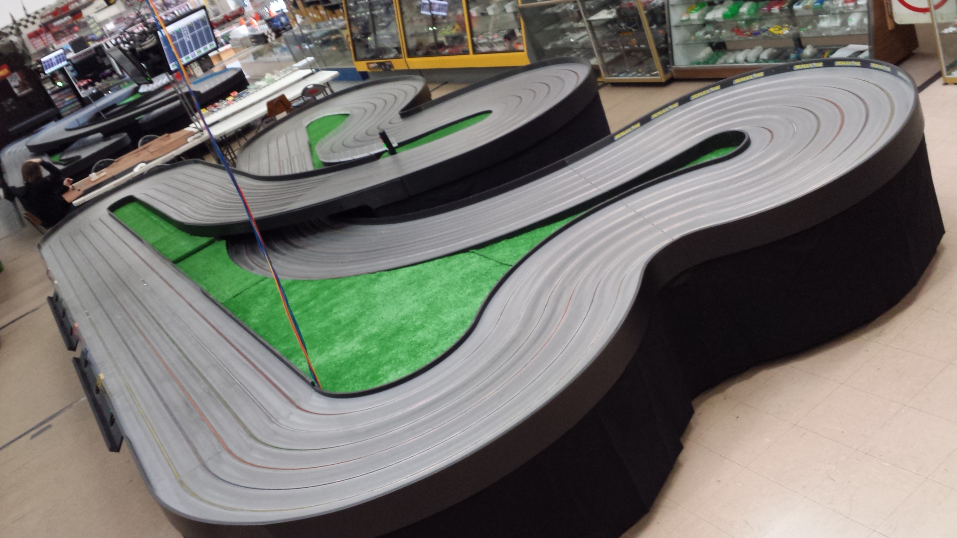 Slot car track for sale adelaide winning roulette system 2017
