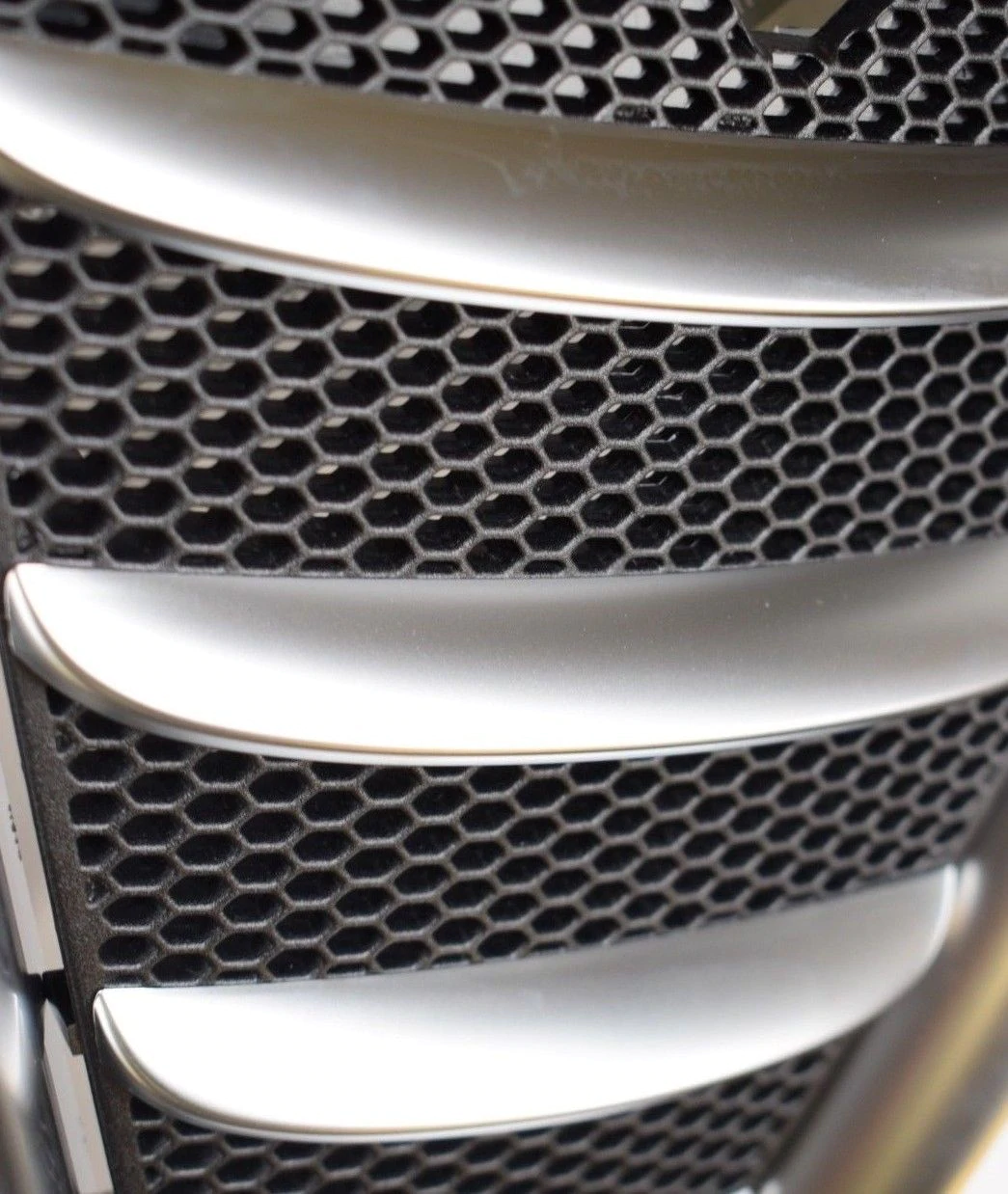 Brand new Genuine Alfa Romeo GT Blackline Satin chrome front bumper grille NEW