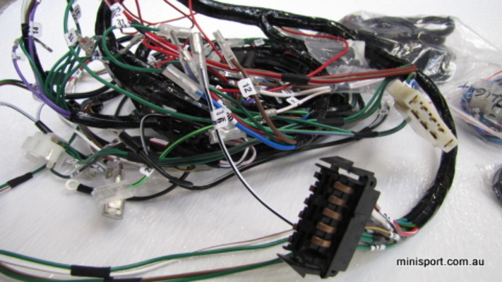 MINI LEYLAND/CLUBMAN LATE WIRING LOOM (1976-1978) on cable carrier, wood loom, cable reel, multicore cable, carpet loom, cable dressing, cable management, crazy loom, cable loom, direct-buried cable,