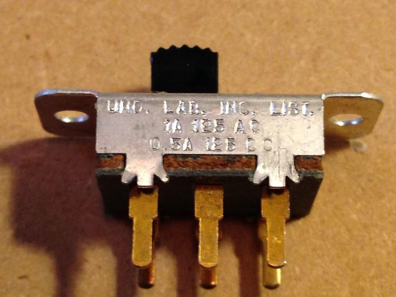 Stackpole 2 Pin Center On//Off Slide Switch 125V AC 3 Amp ~~
